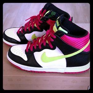 Nike Dunk High London